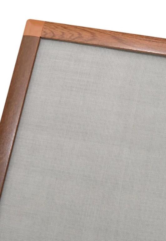 Moskitiera okienna kołnierzowa na wymiar w kolorze złotego dębu, orzechu, mahonia oraz dębu bagiennego.