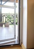 Magnes wewnętrzny domykający moskitiere drzwiową aluminiową