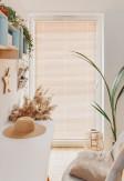 Żaluzje bambusowe 25mm w kolorze imbir (pobielane drewno) z widoczną i naturalną strukturą drewna na wymiar.