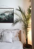 Elegancka o ciepłym odcieniu beżu poszewka z falbaną 50x60