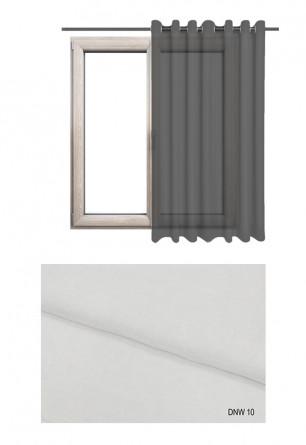 Zasłona półprzezierna na kołach o białym odcieniu w kolekcji DOM NA WSI (DNW10) na wymiar.