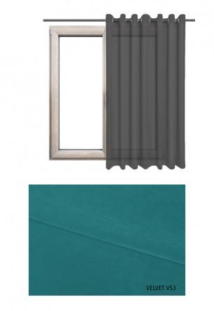 Zasłona na kołach w tkaninie o niebieskim odcieniu (V53) z kolekcji VELVET na wymiar.