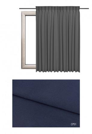 Zasłona na haczykach microfleks w pełni zaciemniającej tkaninie (90-100%) w niebieskim odcieniu (CP51) na wymiar.