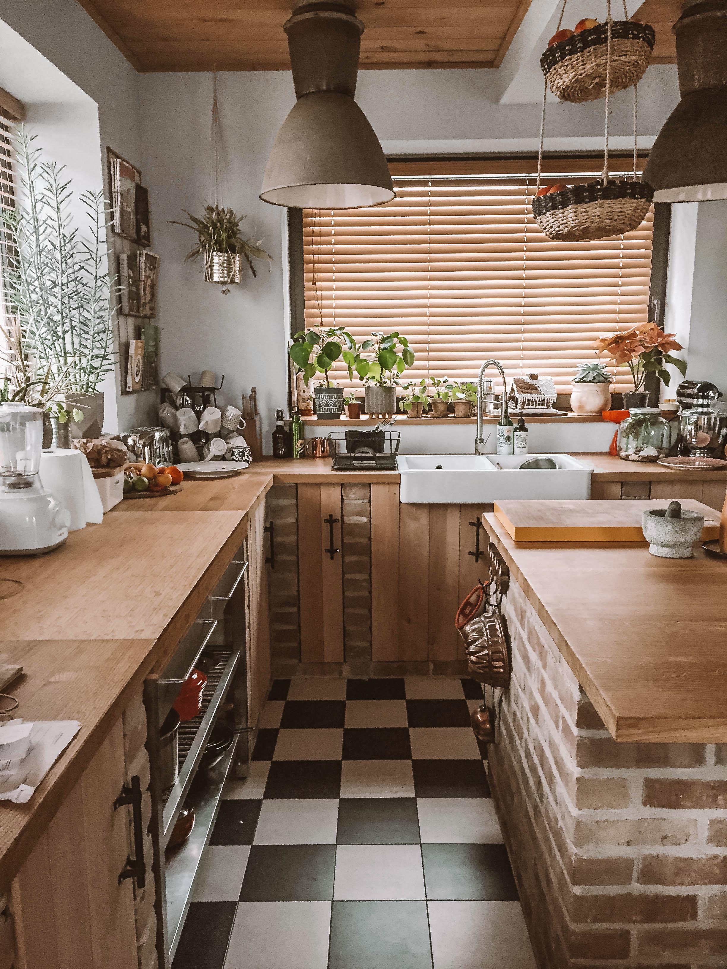 cegła w kuchni żaluzje bambusowe nasze domowe pielesze