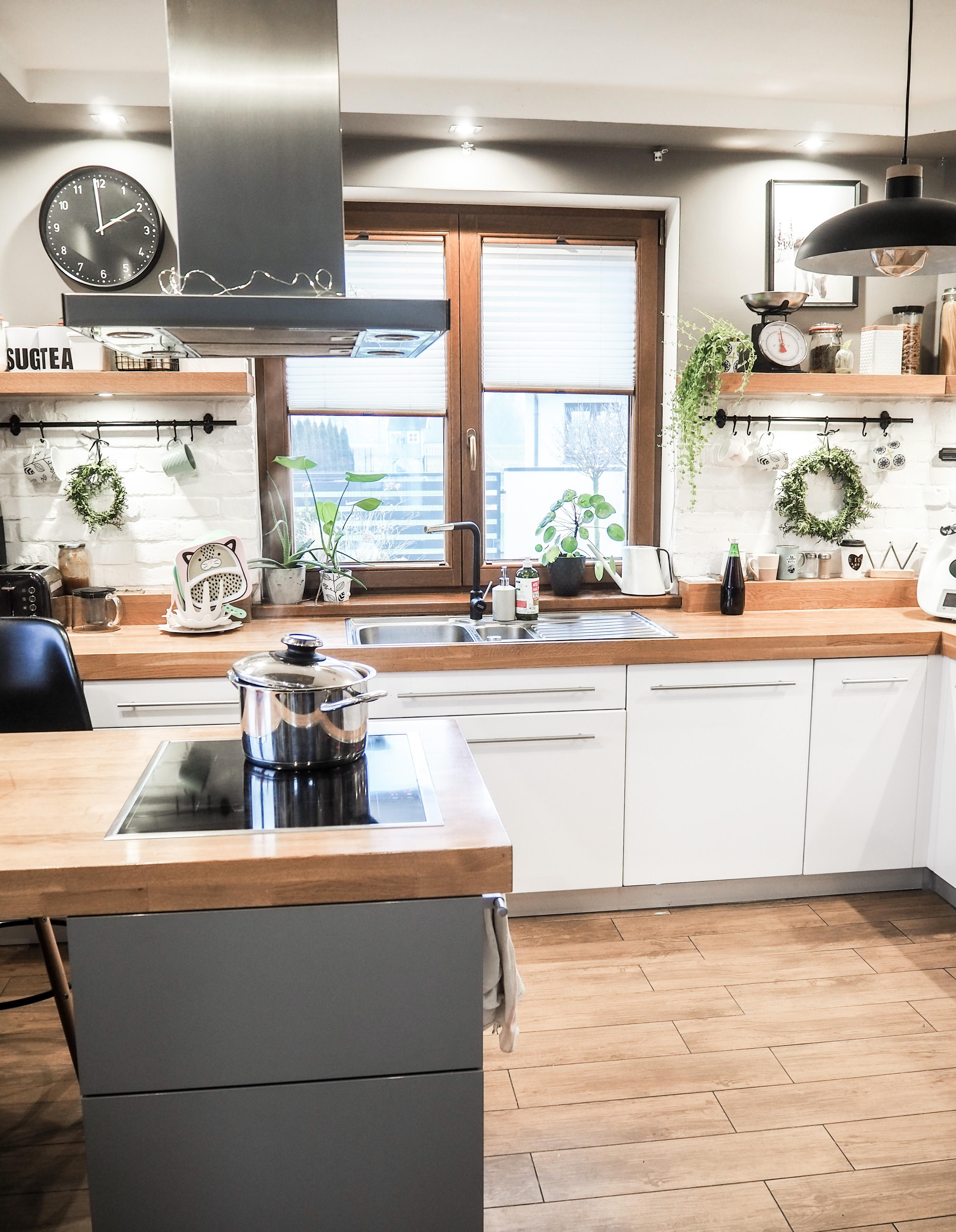 kuchnia inspiracje biel i drewno plisy nasze domowe pielesze