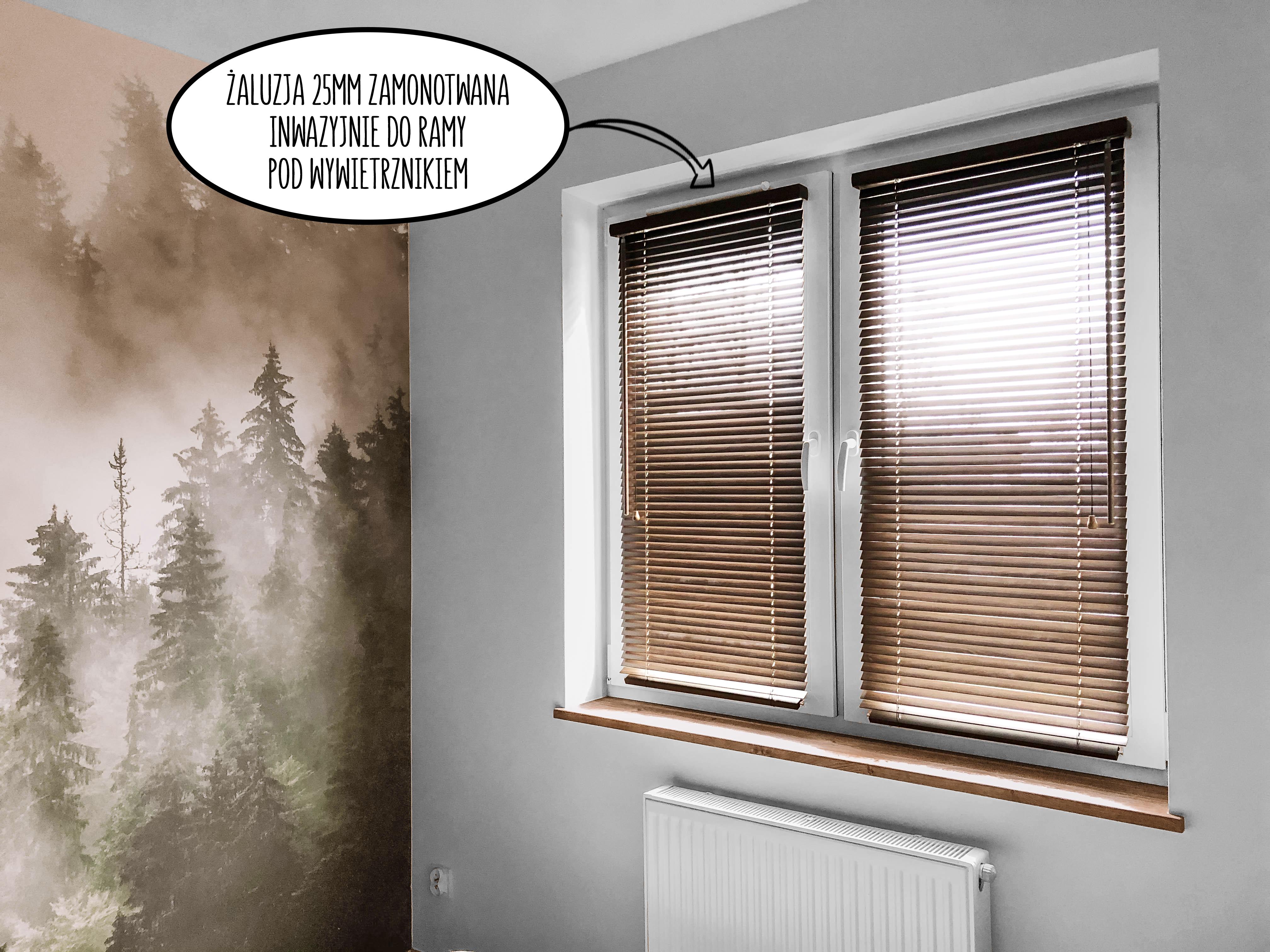 zaluzje na oknie z wywietrznikiem