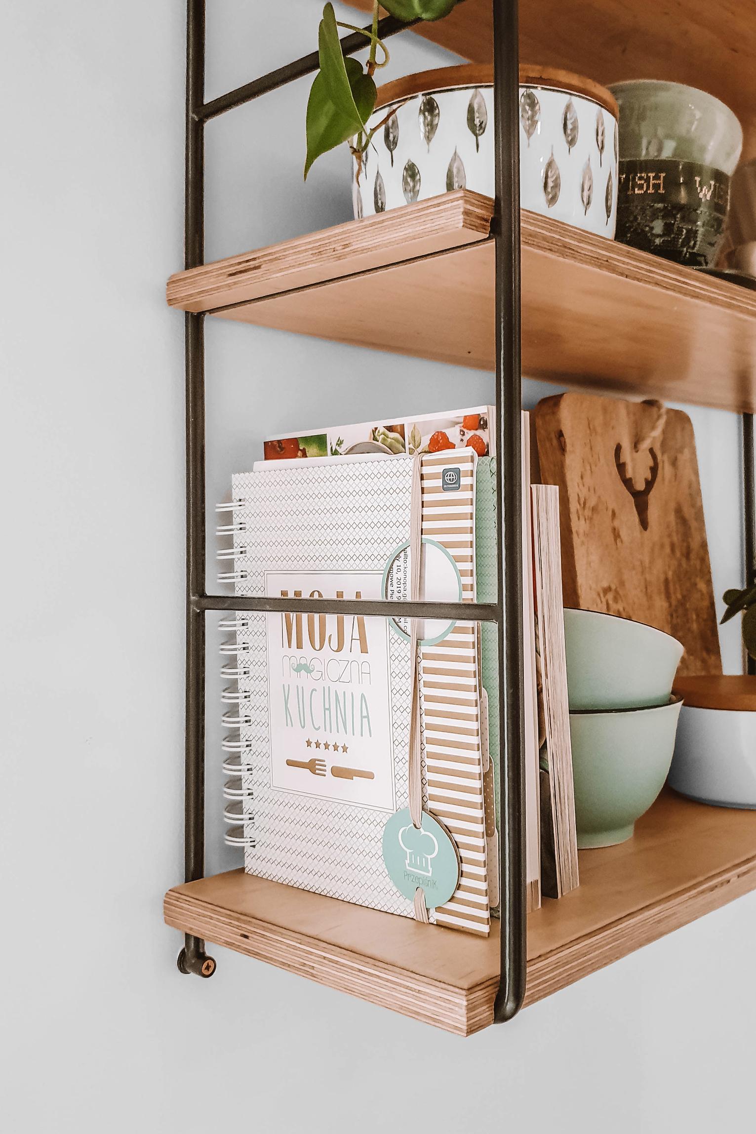 półka wisząca drewno metal