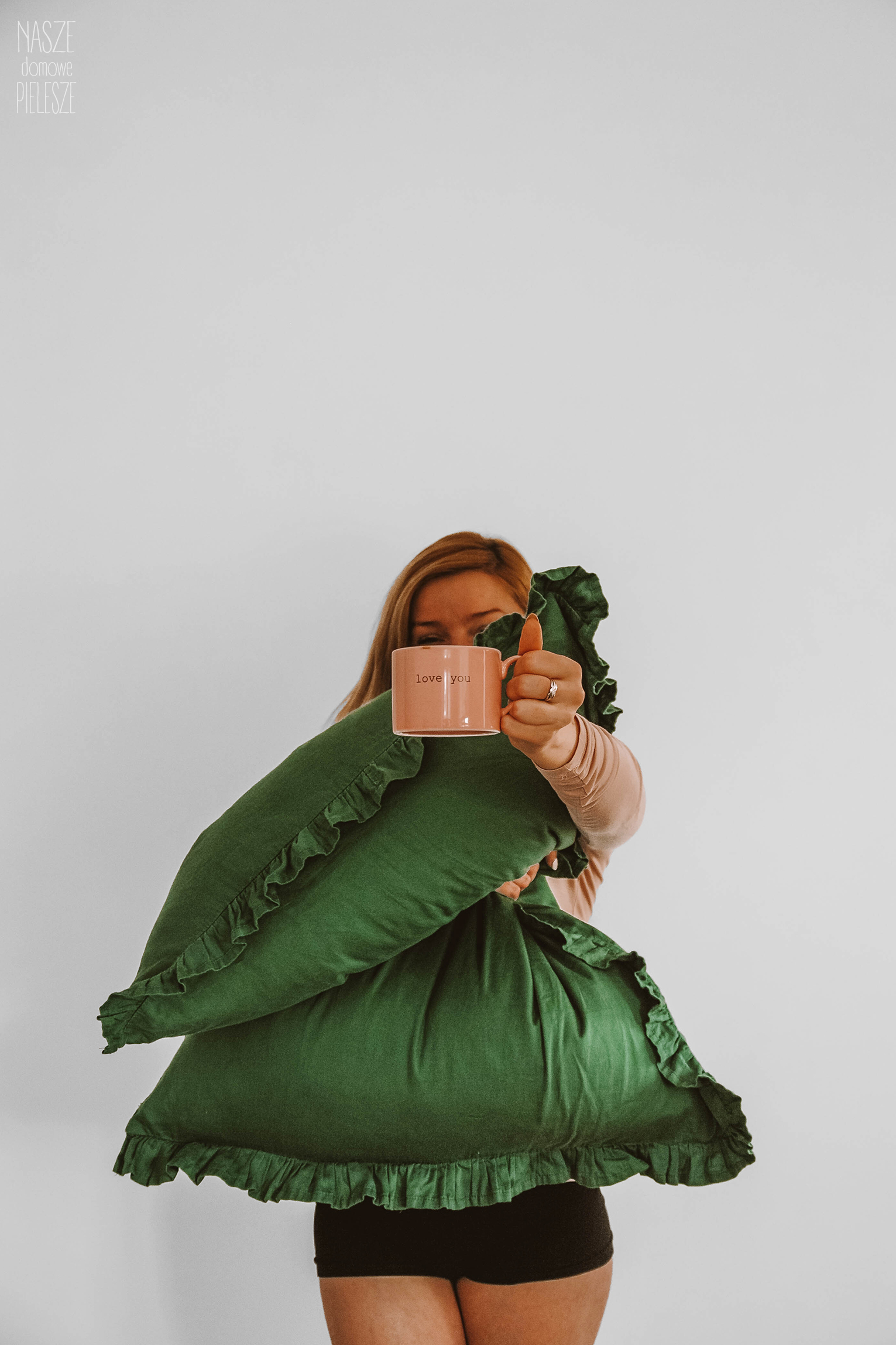pościel z falbaną butelkowa ziele