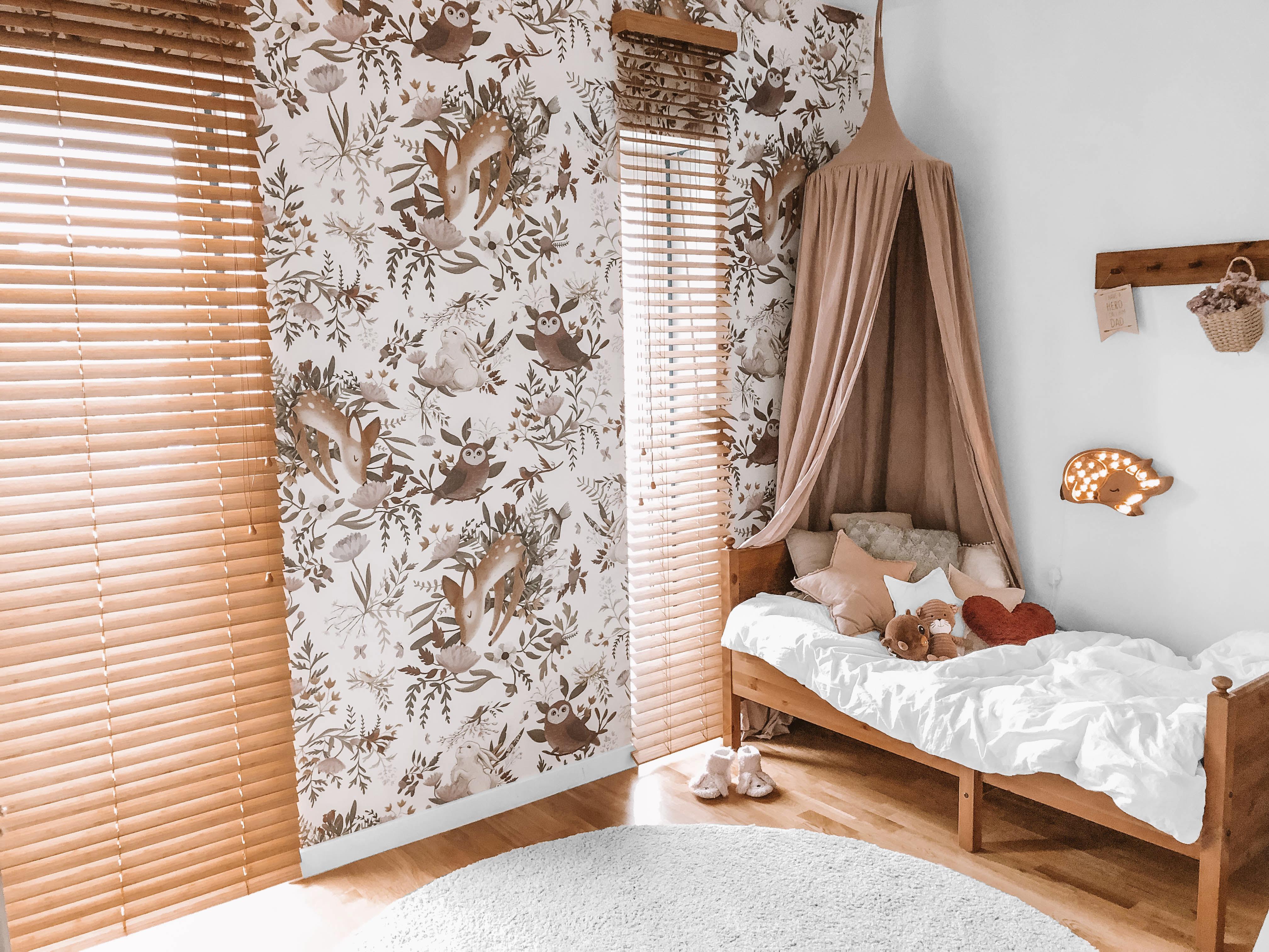 zaluzje bambusowe montowane do ściany