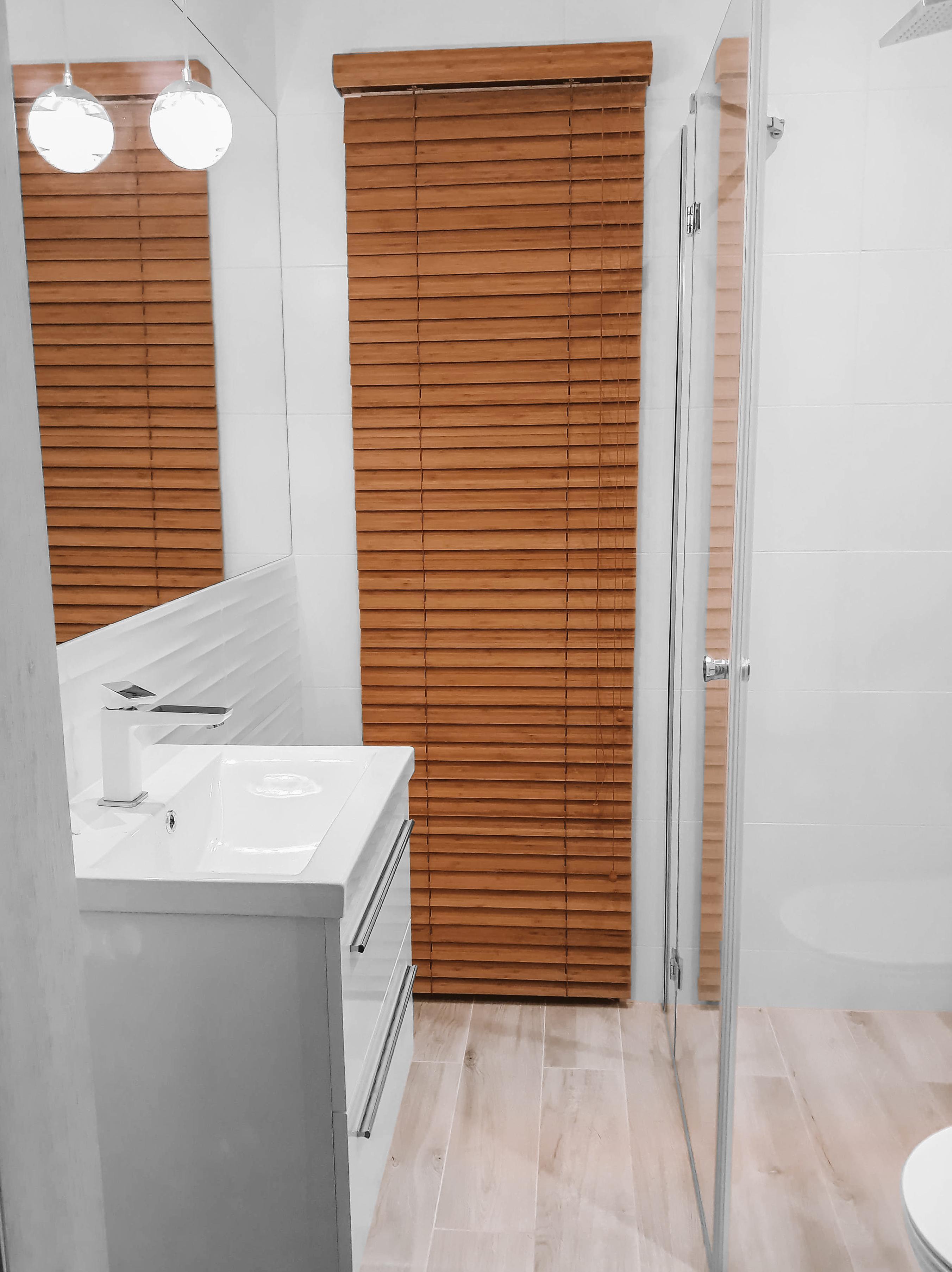zaluzja bambusowa łazienka