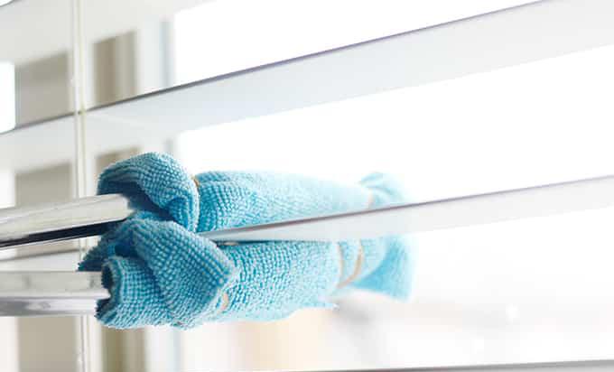 jak czyścić żaluzje domowym sposobem